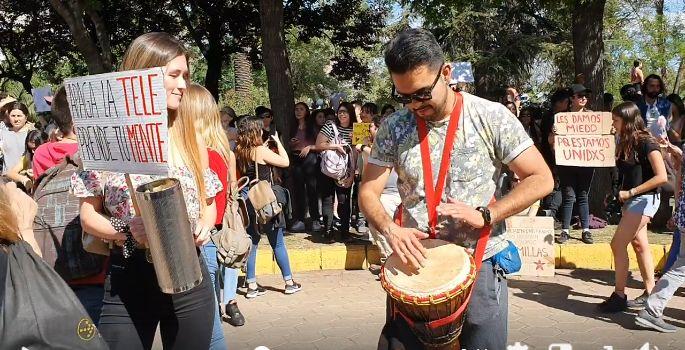 Yanny Santa Cruz: Sobre los jóvenes y octubre en Chile